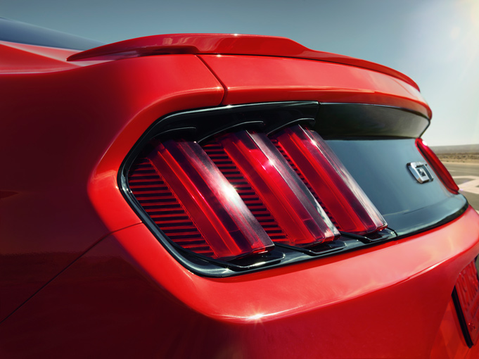 2015 Mustang Specs & Information: S550 Models, Engines, Colors & More - 2015 Mustang Tail Lights