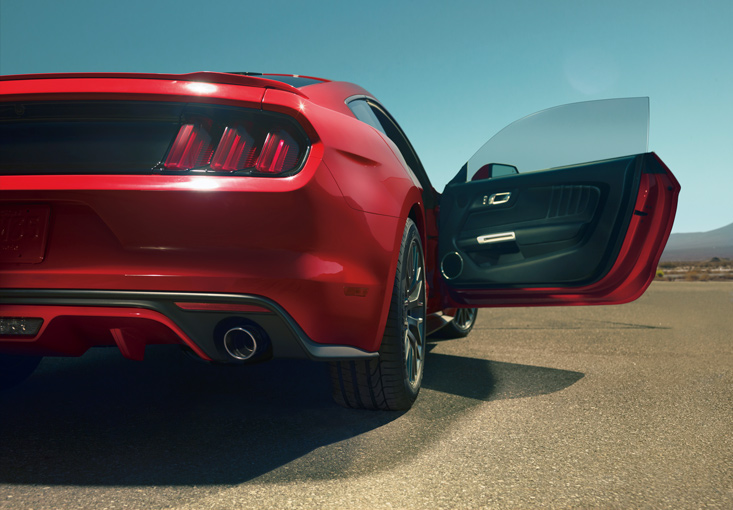 2015 Mustang Specs & Information: S550 Models, Engines, Colors & More - 2015 Mustang rear end